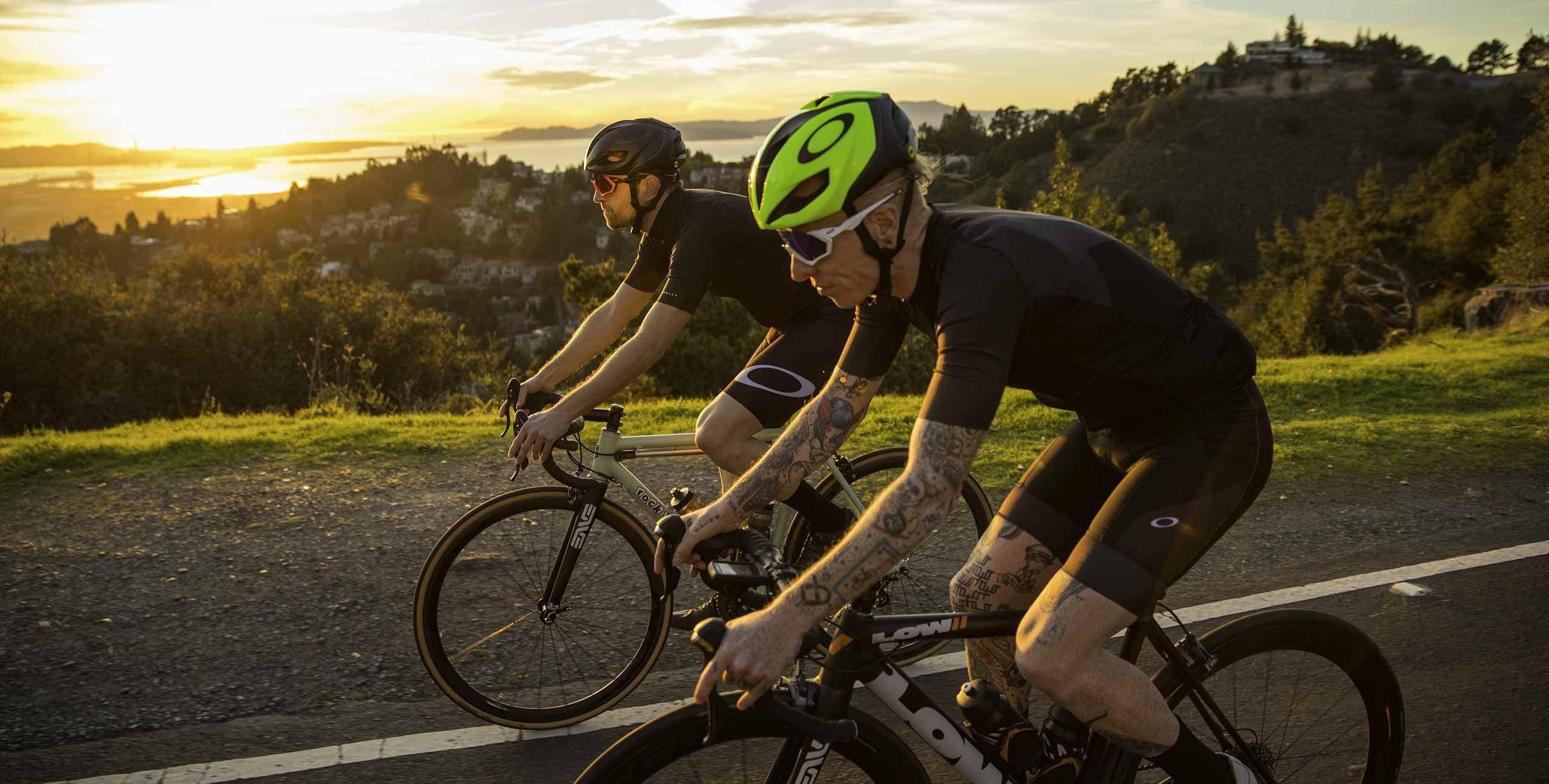 ONE OBSESSION - La collection Cyclisme Oakley est dédiée à ceux qui vivent pour leur prochaine grande virée.